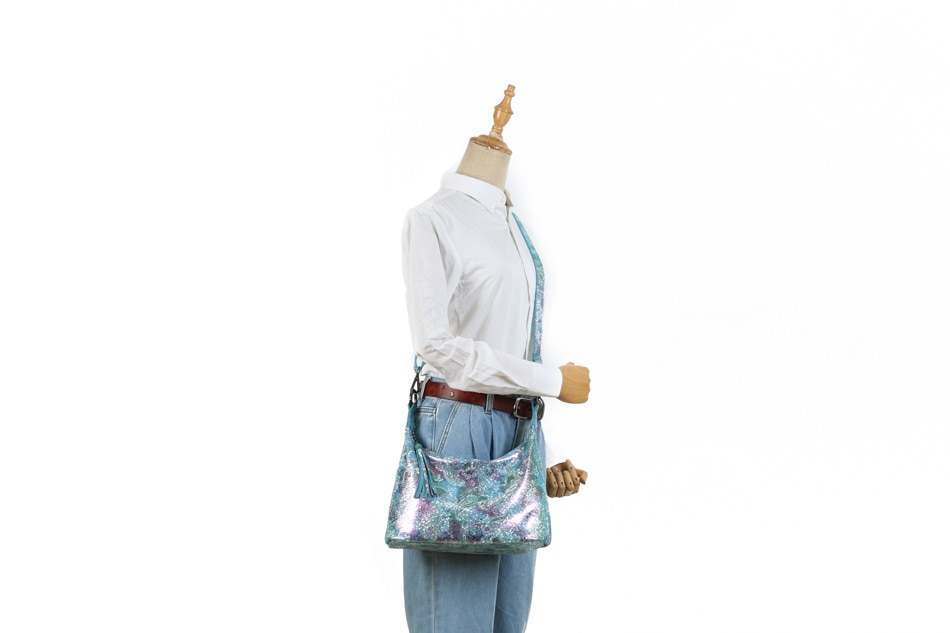 Best shining leather bag with a peacock motif 2020.